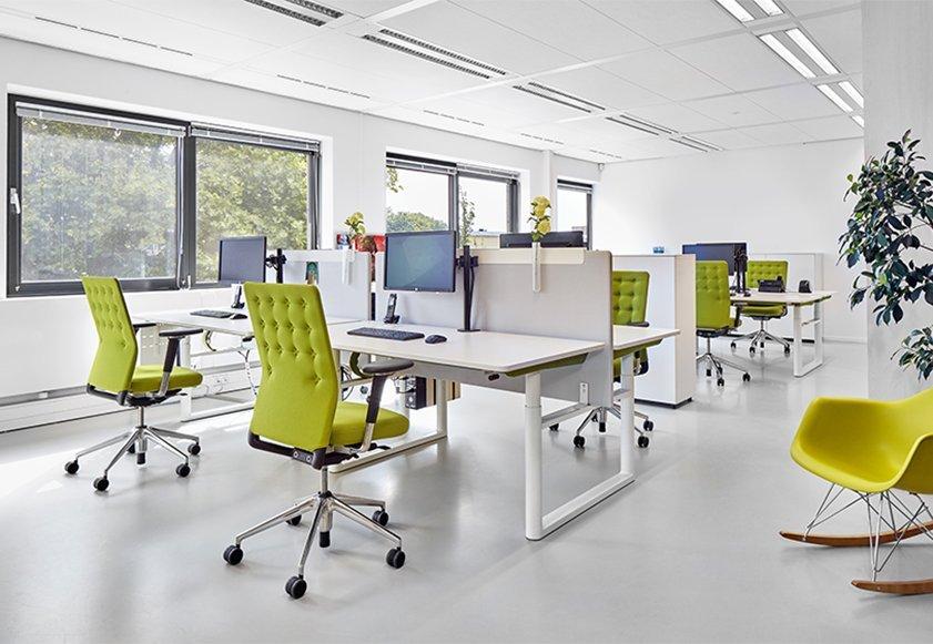 büro walther oelsnitz Vitra Möbel und Accessoires Steh Sitz Tische